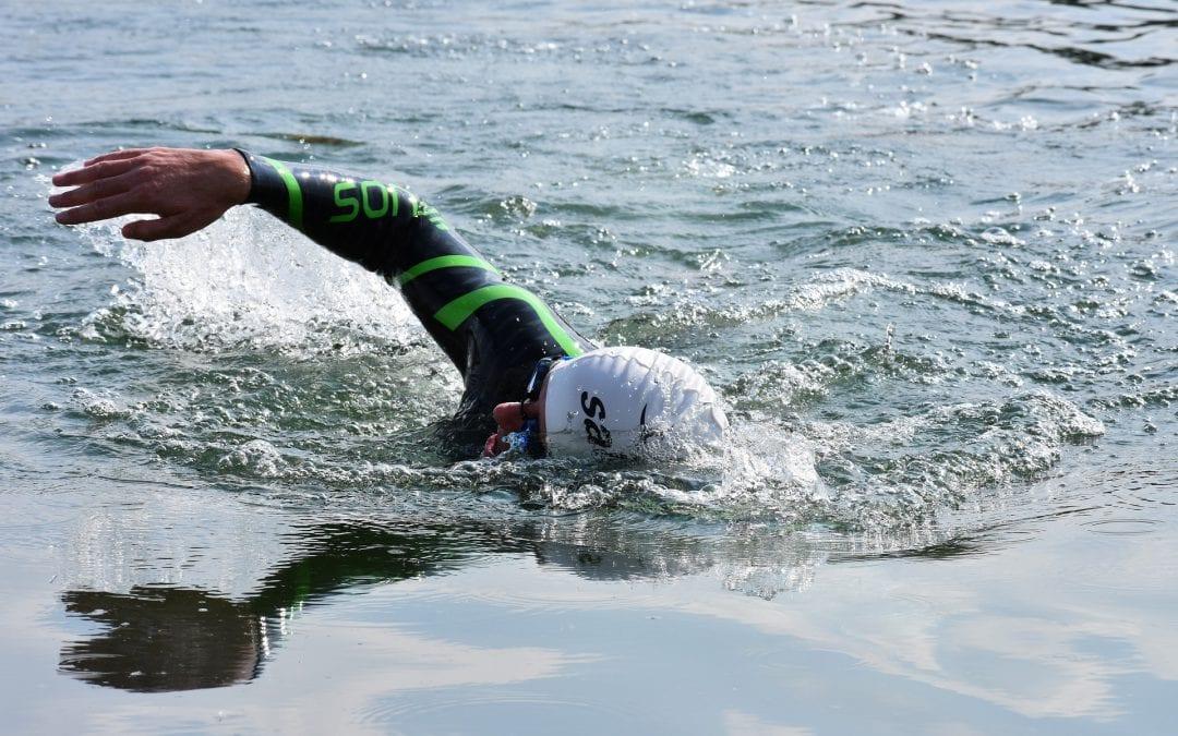 Steun jij onze collega Eveline en de andere zwemmers voor een wereld zonder kanker?